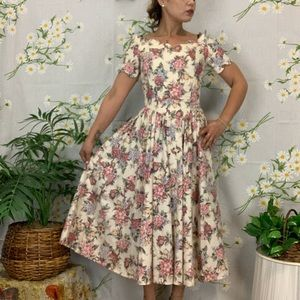 Authentic 50s vintage pinup fit and flare dress